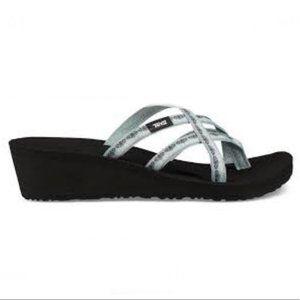 TEVA Women's Blue Mush Mandalyn Wedge Ola 2 Sandals S/N 1000099 Size12-Pre-Owned